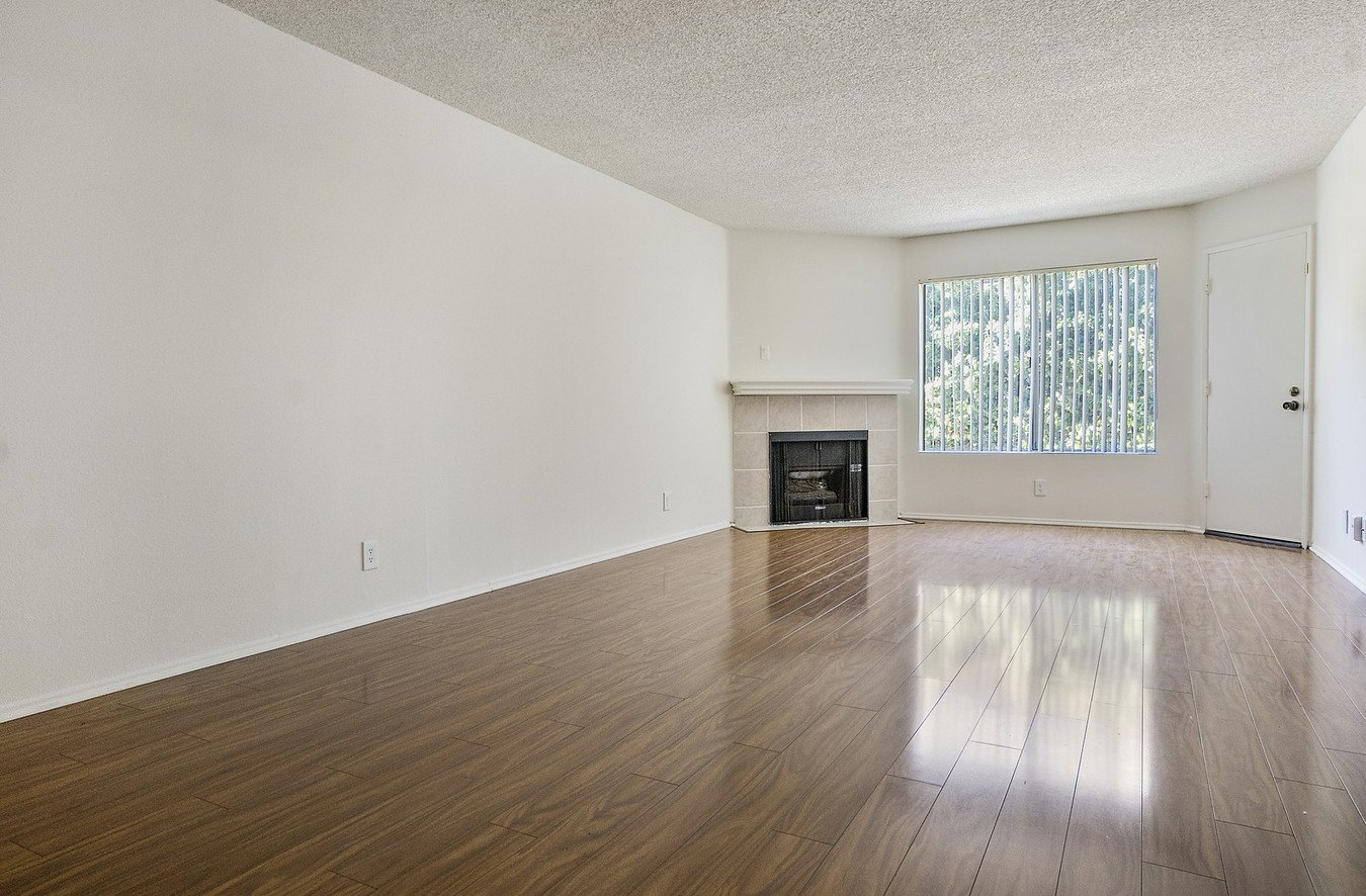 2 Bedrooms 2 Bathrooms Apartment for rent at The Woodside Apartments in Northridge, CA