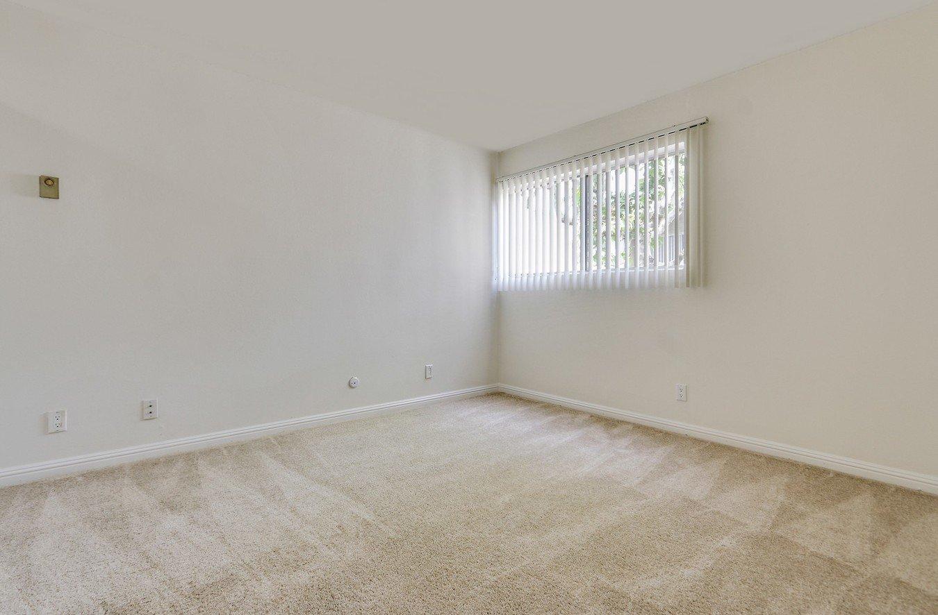 2 Bedrooms 2 Bathrooms Apartment for rent at Casa De Vida in Los Angeles, CA