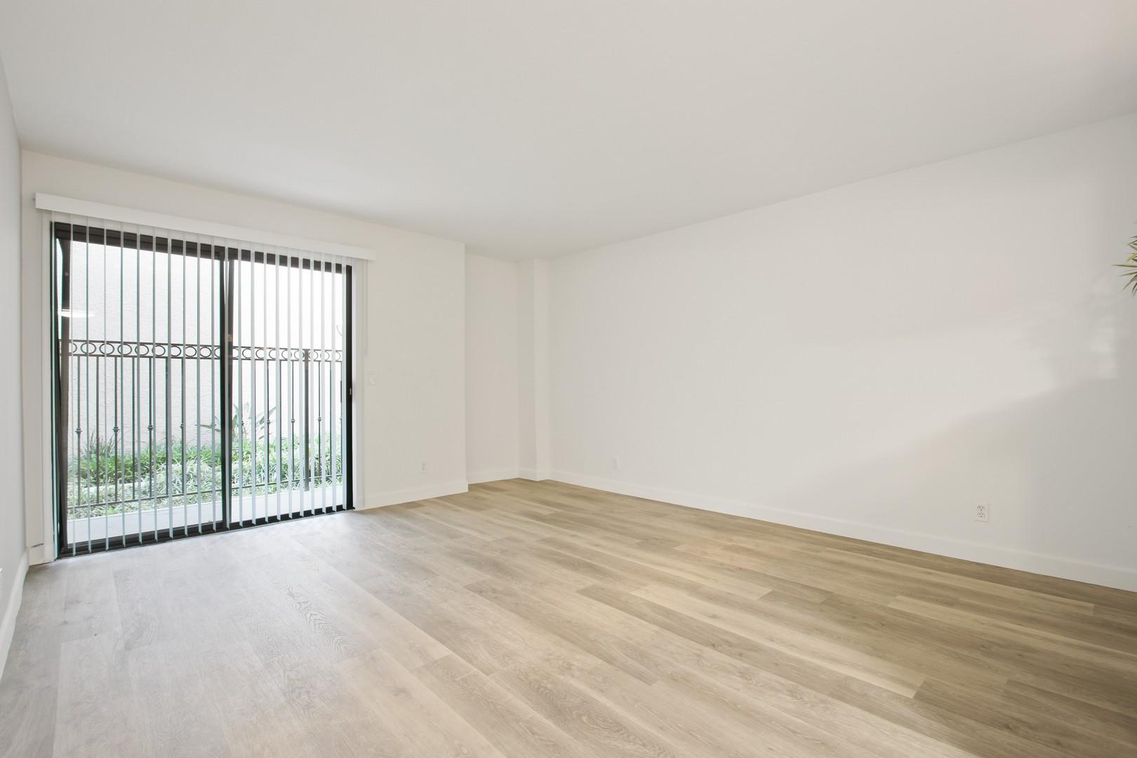 Zelzah Court Apartments photo