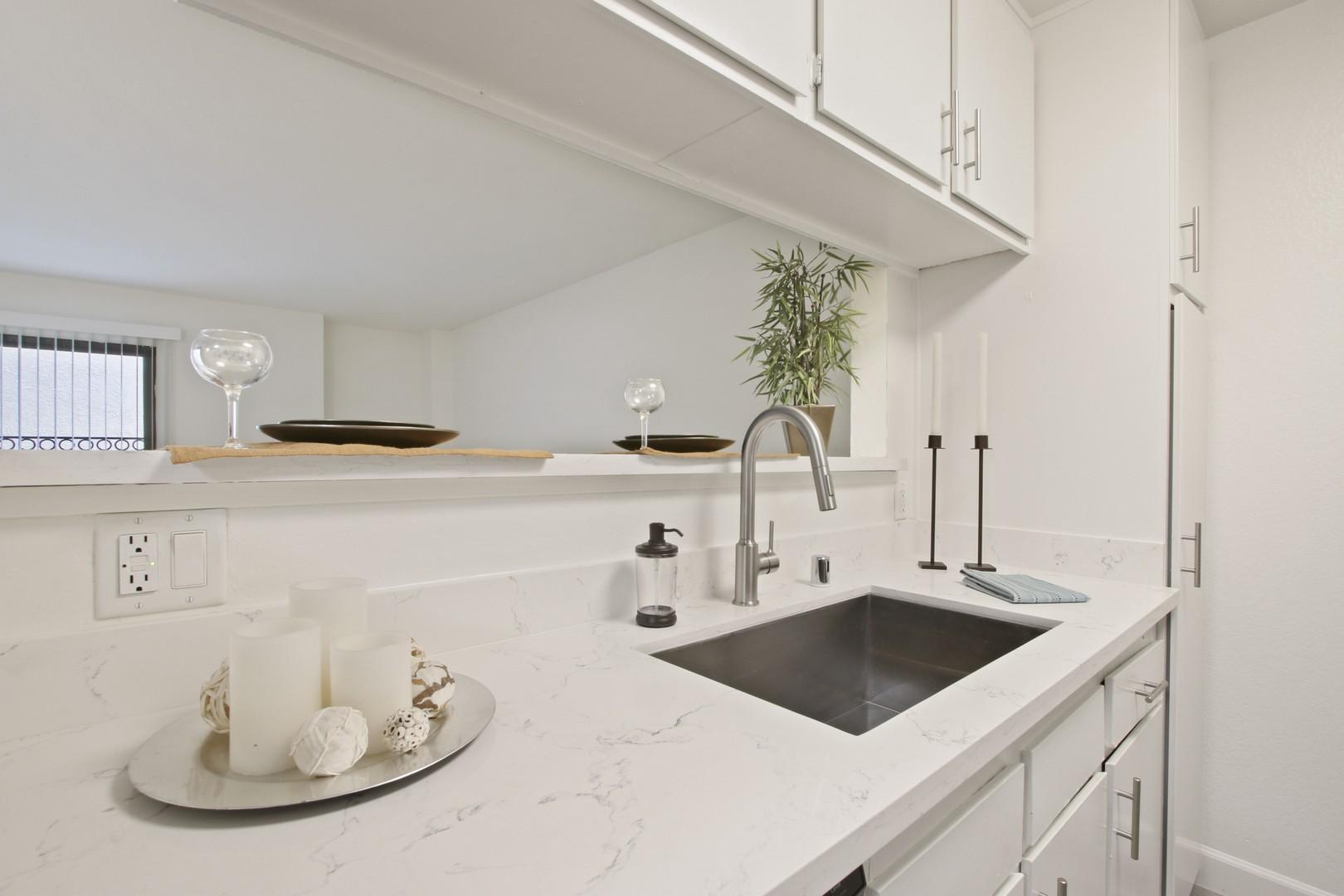 Zelzah Court Apartments rental