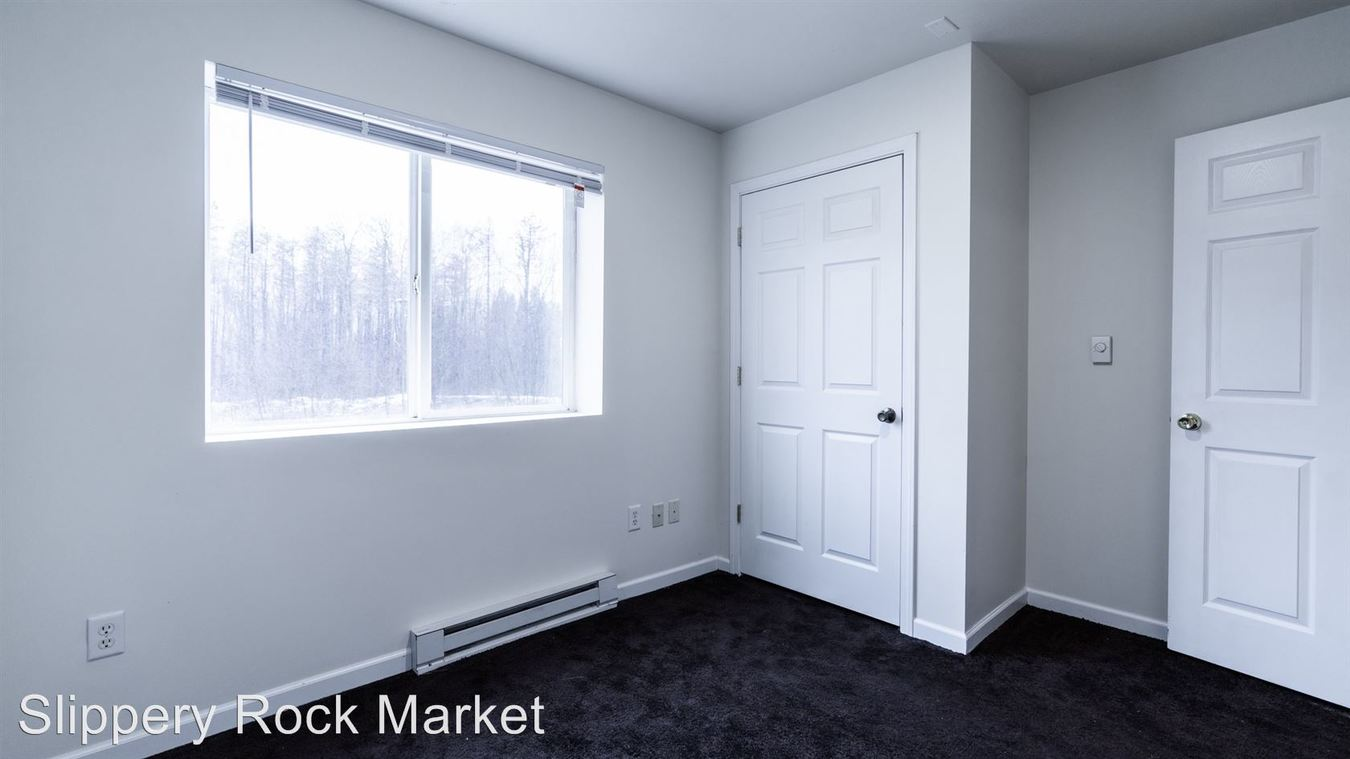 2 Bedrooms 1 Bathroom Apartment for rent at 321 Grove City Rd in Slippery Rock, PA