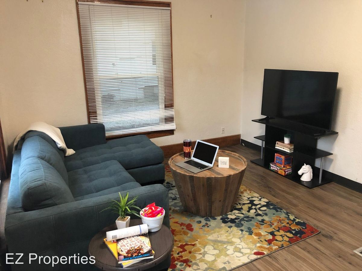 4 Bedrooms 1 Bathroom Apartment for rent at 507 Welch Ave in Ames, IA
