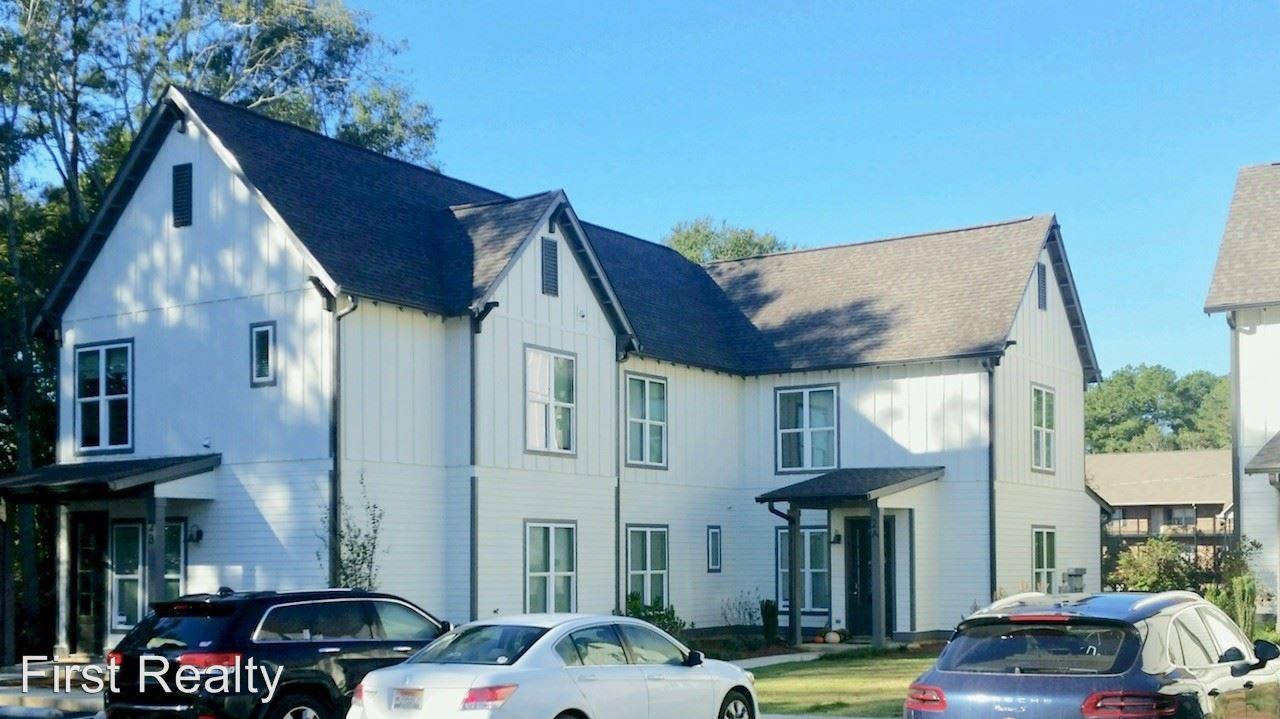 5 Bedrooms 4+ Bathrooms Apartment for rent at 805 Railroad Avenue in Auburn, AL