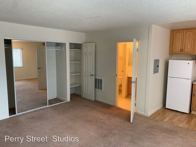 Studio 1 Bathroom Apartment for rent at 75 Perry Street in Redwood City, CA