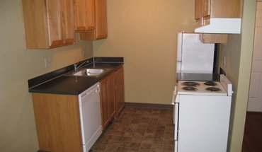 Mill Manor Apartment for rent in Eugene, OR
