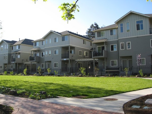 3 Bedrooms 1 Bathroom Apartment for rent at Parkside Place in Eugene, OR