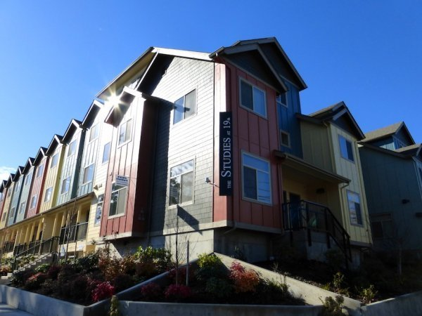 4 Bedrooms 2 Bathrooms Apartment for rent at The Studies in Eugene, OR