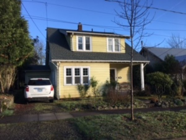 4 Bedrooms 1 Bathroom House for rent at 1379 East 21st Ave. in Eugene, OR