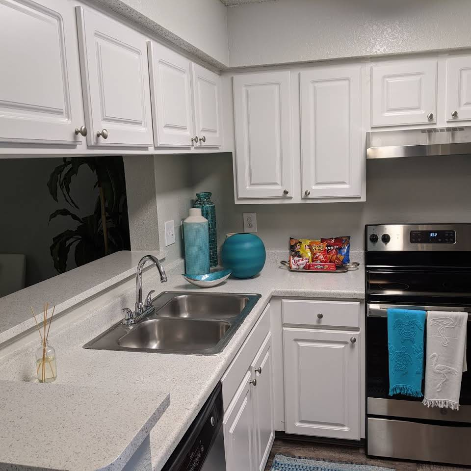 Goldelm At Metrowest for rent