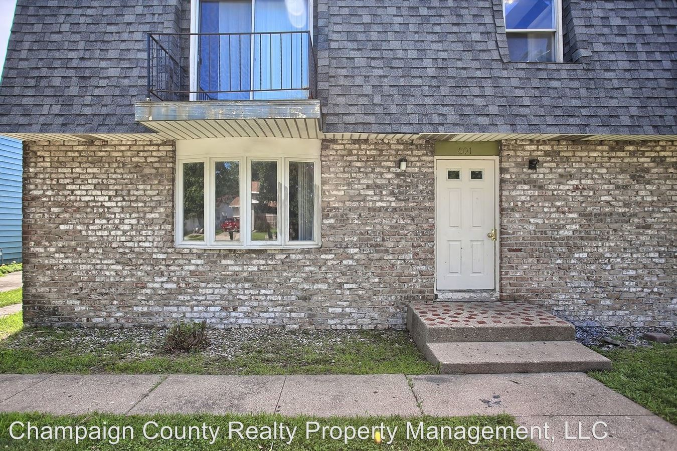 2 Bedrooms 1 Bathroom Apartment for rent at 801. Hollycrest Dr. in Champaign, IL