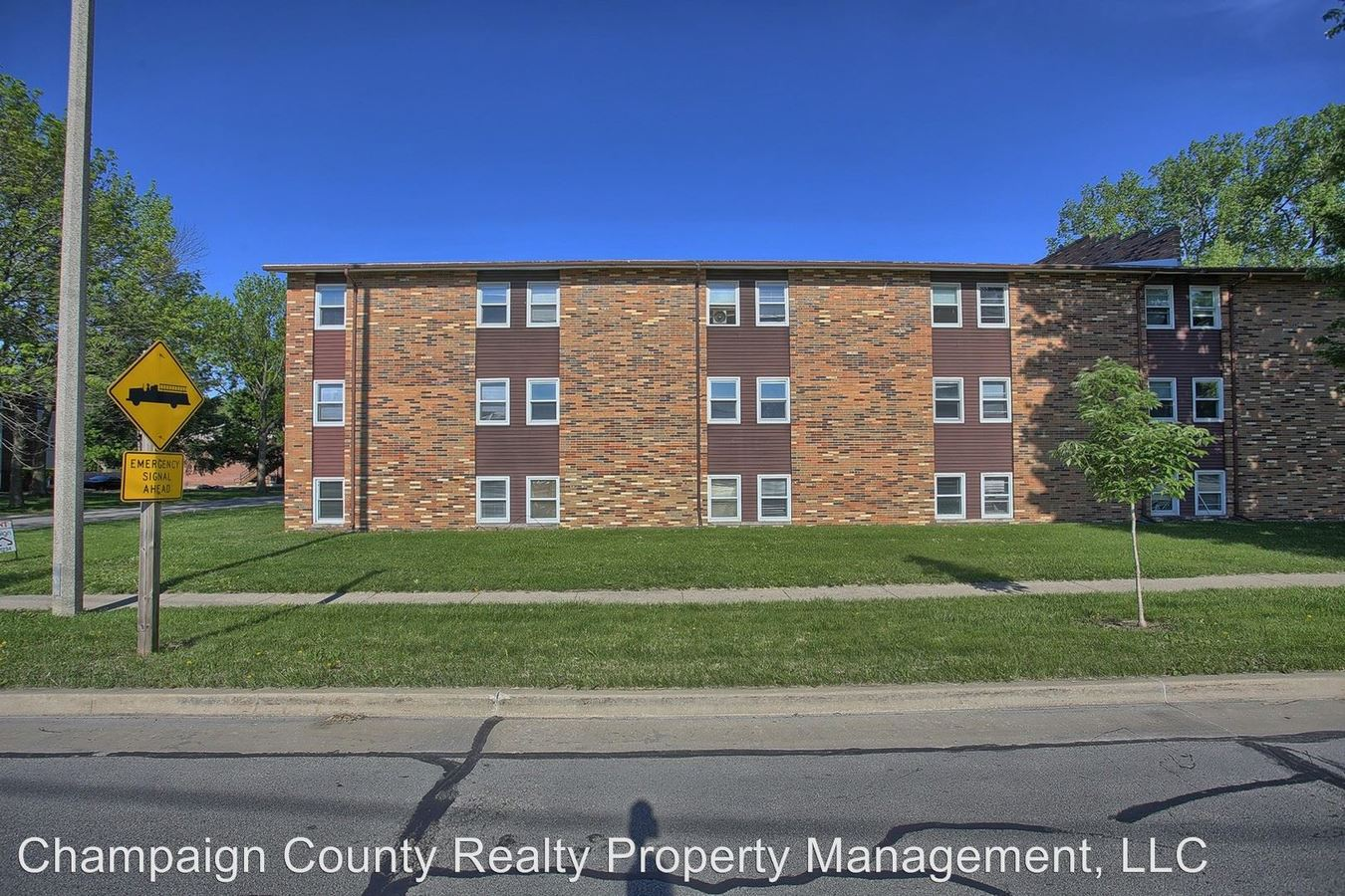 2 Bedrooms 1 Bathroom Apartment for rent at 1404 Silver St. in Urbana, IL
