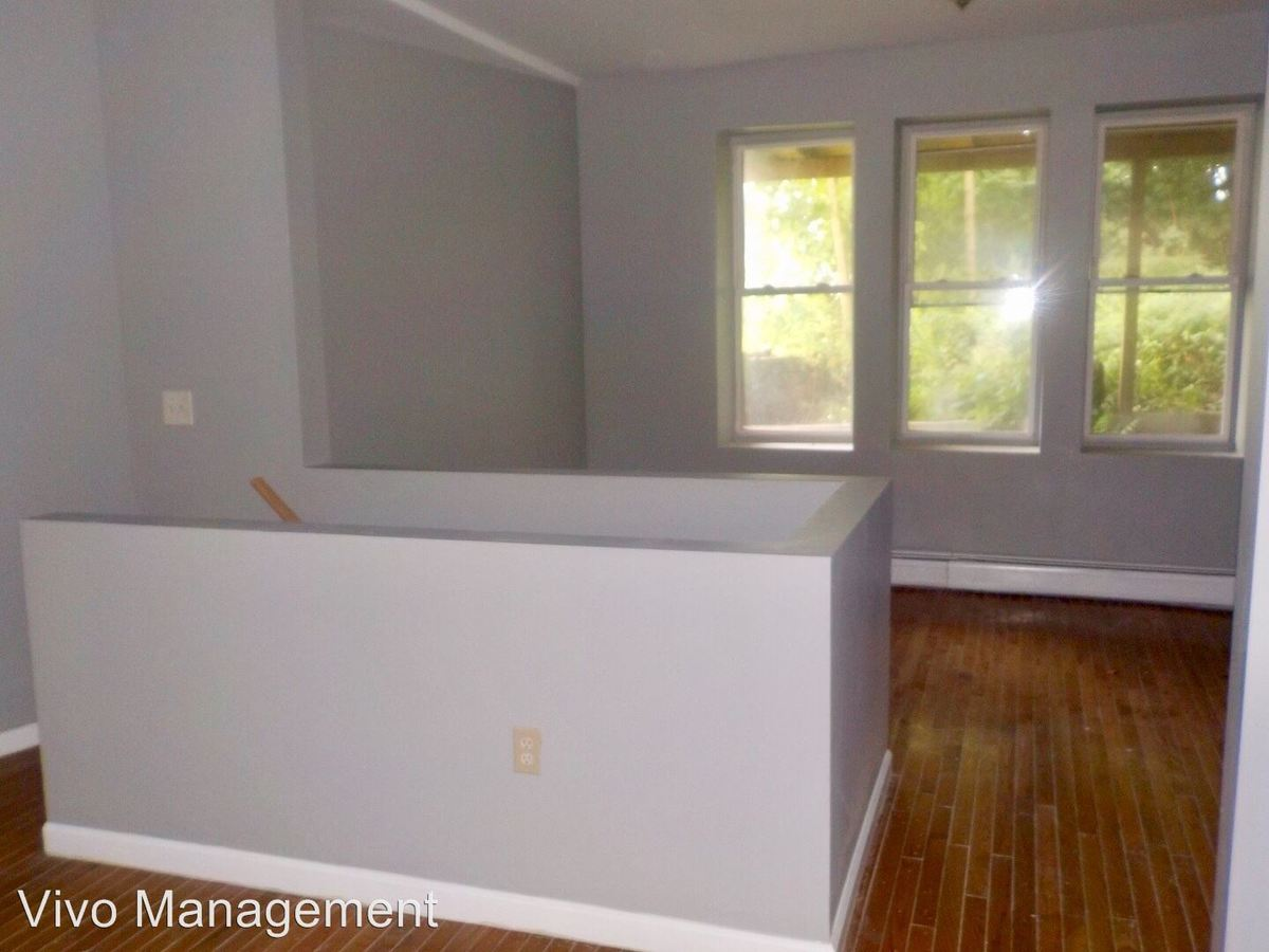 2 Bedrooms 1 Bathroom Apartment for rent at 398-400 S. 15th Street in Newark, NJ