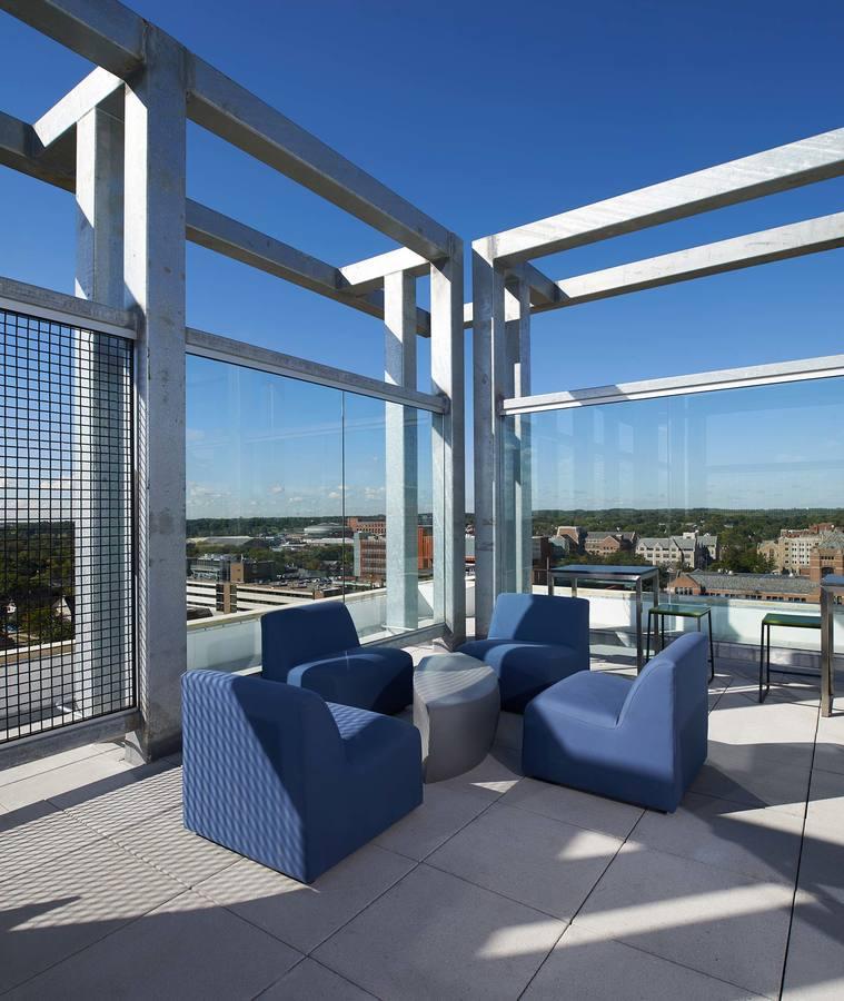 Ann Arbor Apartment Properties: Sterling Arbor Blu Apartments Ann Arbor, MI