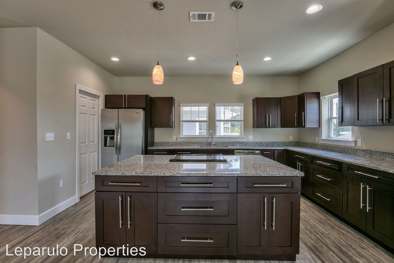 4 Bedrooms 4+ Bathrooms Apartment for rent at #101 in Tallahassee, FL