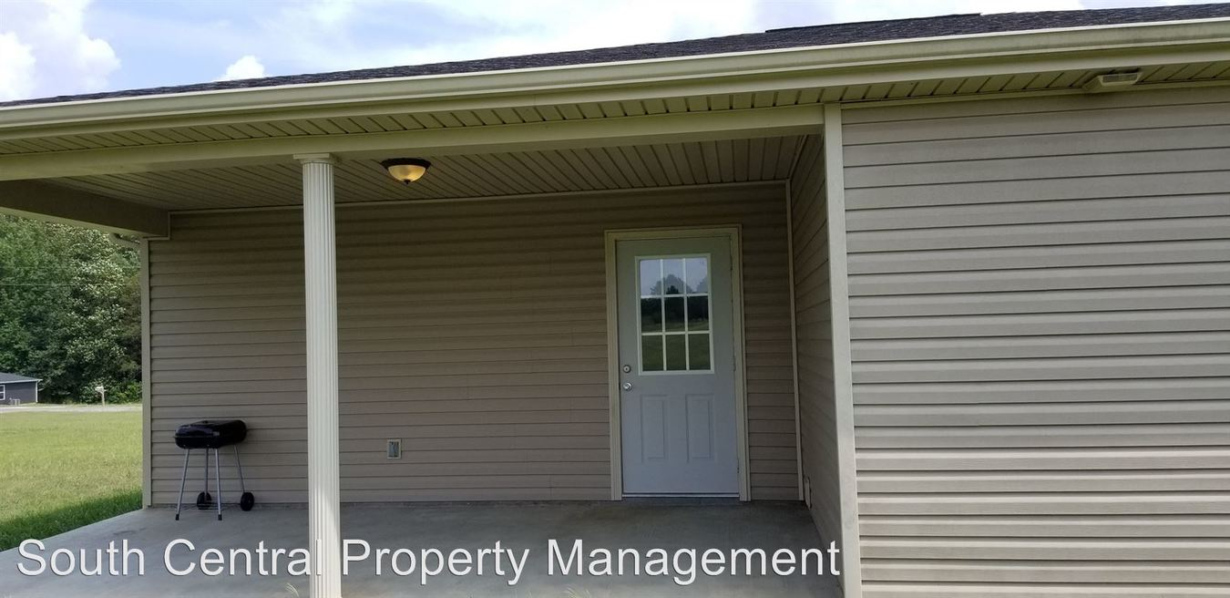 3 Bedrooms 2 Bathrooms Apartment for rent at Carden Rd. in Glasgow, KY