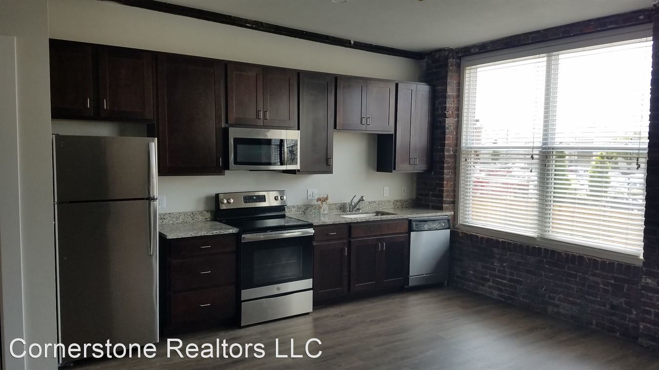 1 Bedroom 1 Bathroom Apartment for rent at 3954 West Pine in St Louis, MO