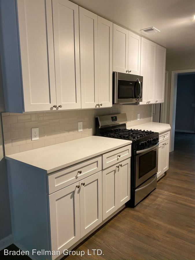 3 Bedrooms 2 Bathrooms Apartment for rent at 219 Hillcrest Avenue in Decatur, GA