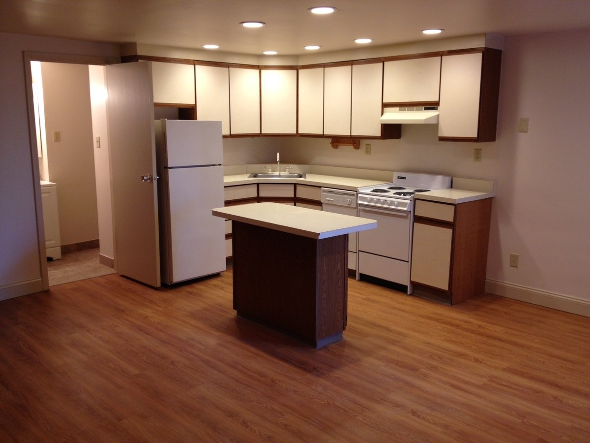 1 Bedroom 1 Bathroom Apartment for rent at 5th Avenue Apartments in Pittsburgh, PA