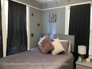 3 Bedrooms 2 Bathrooms Apartment for rent at 132 Smith Street in Charleston, SC