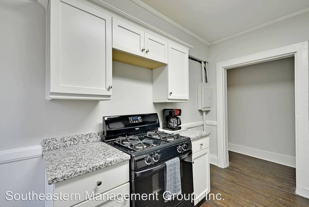 4 Bedrooms 3 Bathrooms Apartment for rent at 132 Smith Street in Charleston, SC