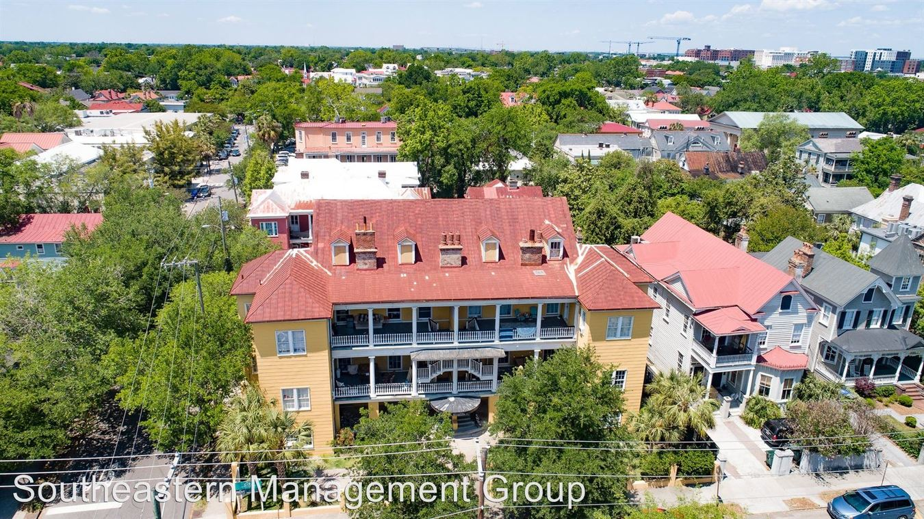 2 Bedrooms 1 Bathroom Apartment for rent at 132 Smith Street in Charleston, SC