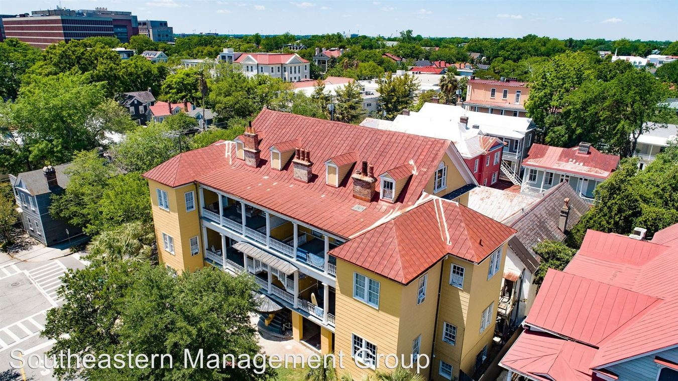 4 Bedrooms 1 Bathroom Apartment for rent at 132 Smith Street in Charleston, SC
