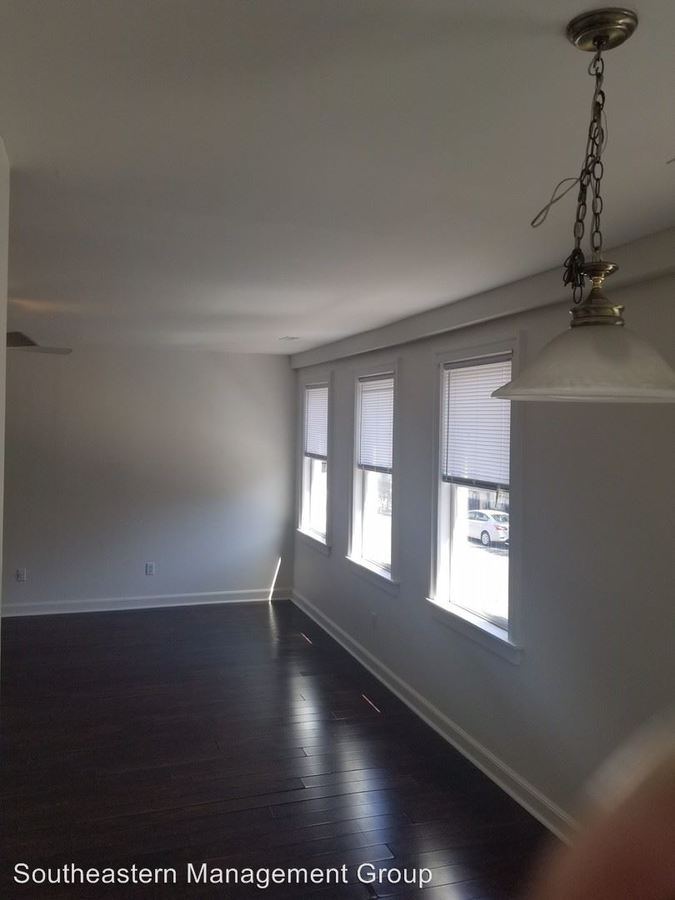 2 Bedrooms 1 Bathroom Apartment for rent at 539 King Street in Charleston, SC