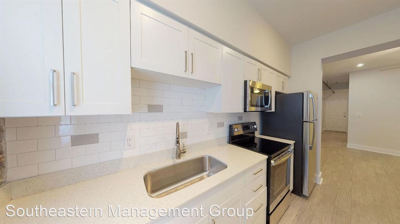 2 Bedrooms 1 Bathroom Apartment for rent at 1000 King St in Charleston, SC