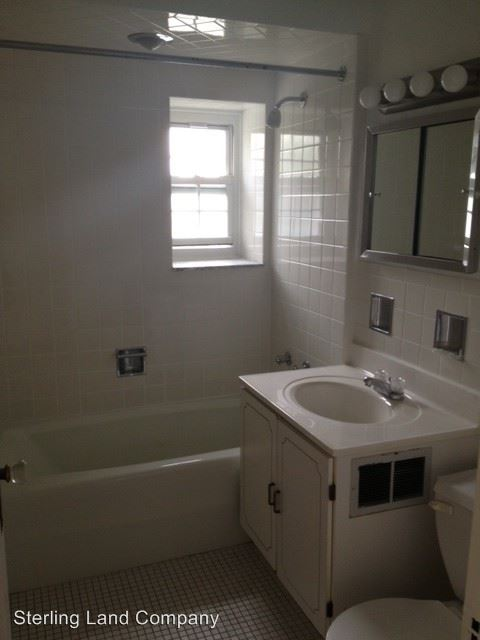2 Bedrooms 1 Bathroom Apartment for rent at Royal York Apartments in Pittsburgh, PA