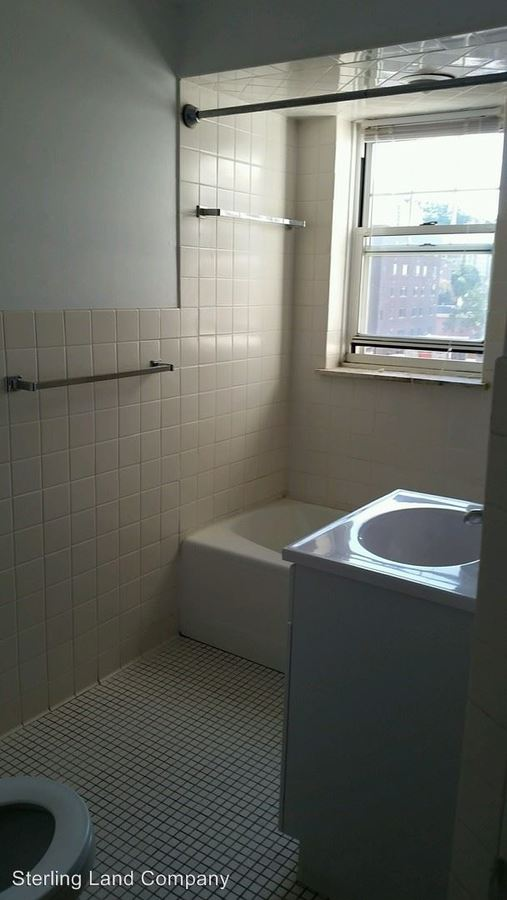 2 Bedrooms 2 Bathrooms Apartment for rent at Old King Edward Apartments in Pittsburgh, PA