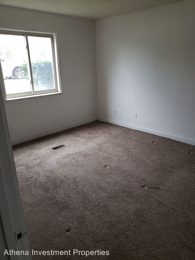2 Bedrooms 1 Bathroom Apartment for rent at 2030 Catalpa Dr in Dayton, OH