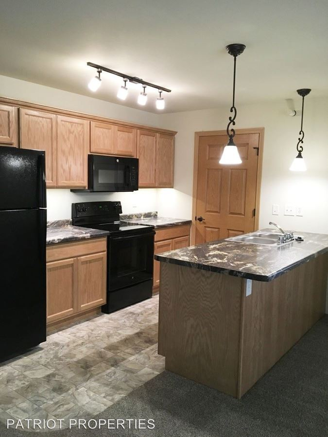 2 Bedrooms 1 Bathroom Apartment for rent at 1028 Berry Ave in Tomah, WI