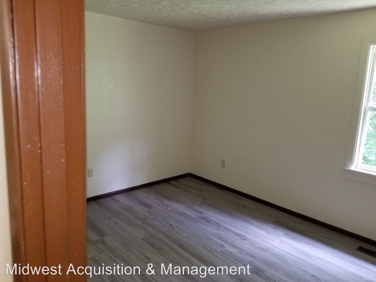 1 Bedroom 1 Bathroom Apartment for rent at 3057 Idlewilde Blvd in Dayton, OH