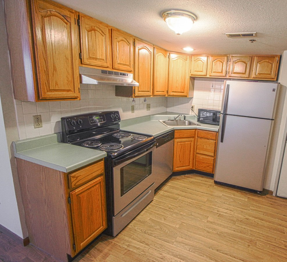 Cheap Studio Apartments Near Me For Rent: 301 E Chalmers Champaign, IL Apartment For Rent