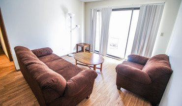 903-909 S Locust Apartment for rent in Champaign, IL