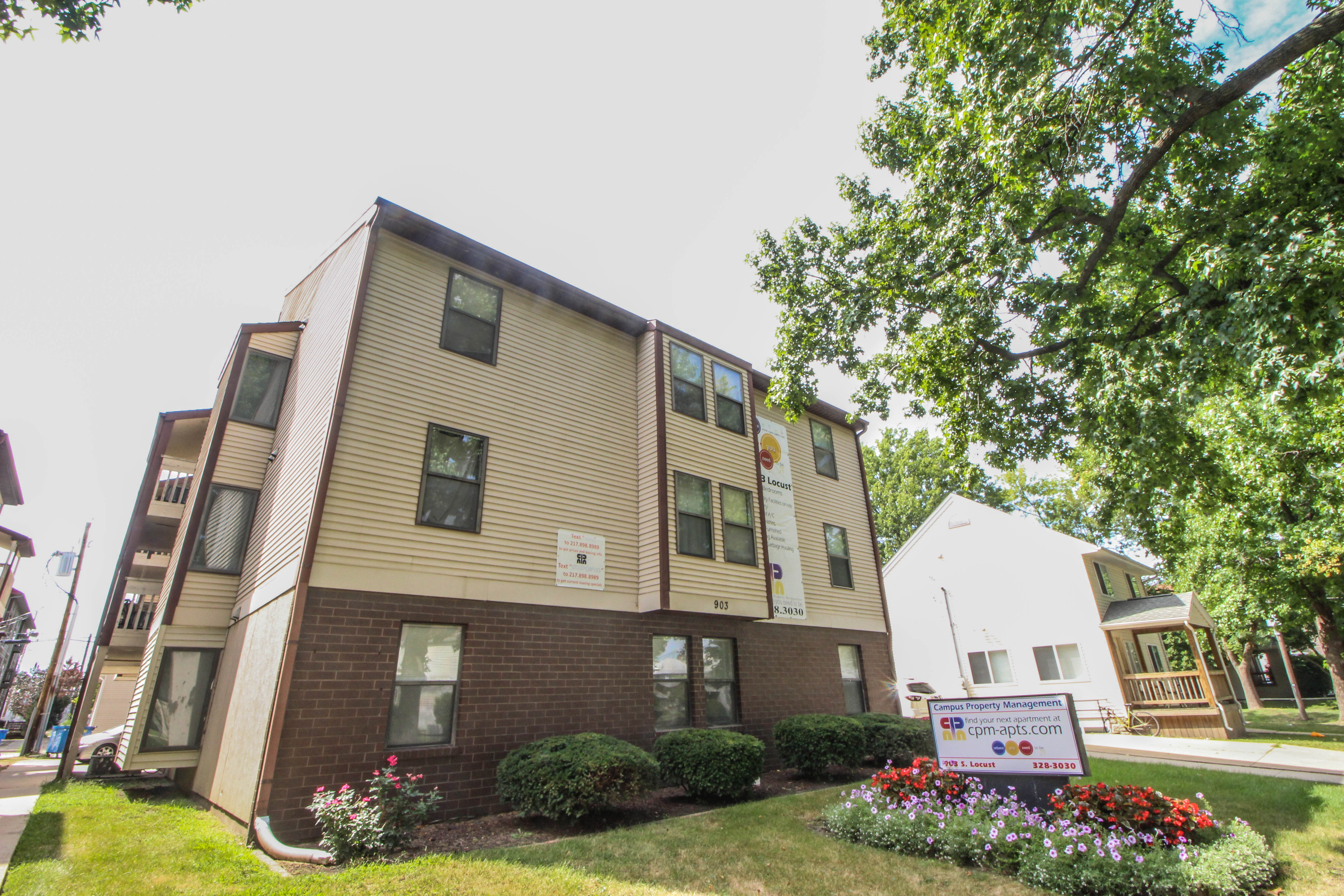 178 apartments in champaign il avail now