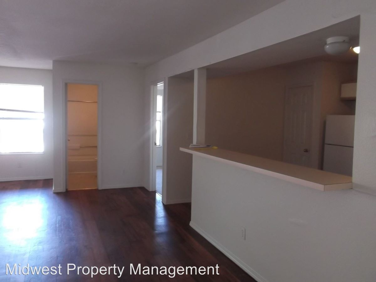 3 Bedrooms 2 Bathrooms Apartment for rent at 1712 Ohio St. in Lawrence, KS