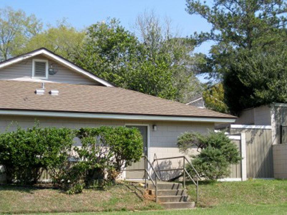2241 W Pensacola St #85-86