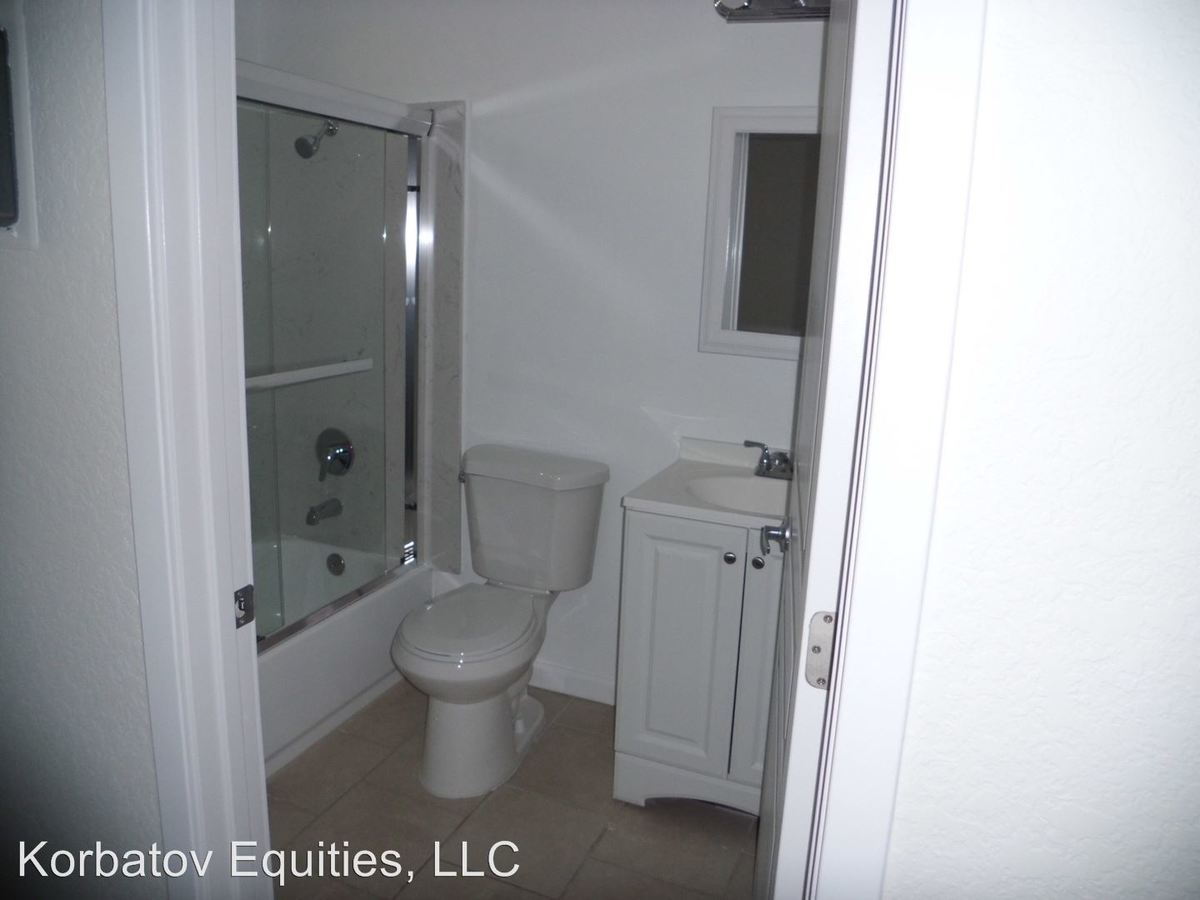 Studio 1 Bathroom Apartment for rent at 10944 Bluffside Drive in Studio City, CA
