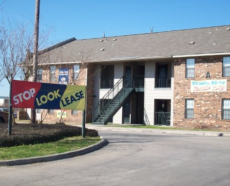 Apartments Near McNeese Emerald Point Apartments for McNeese State University Students in Lake Charles, LA