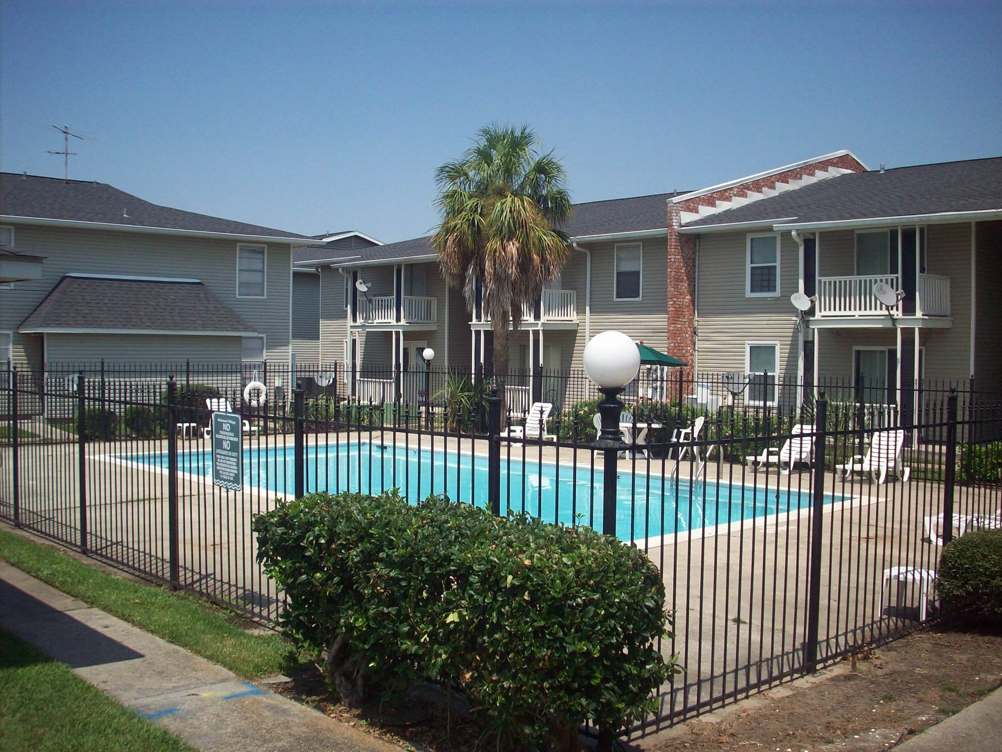 Apartments Near OLHCC Belmont Village for Our Lady of Holy Cross College Students in New Orleans, LA