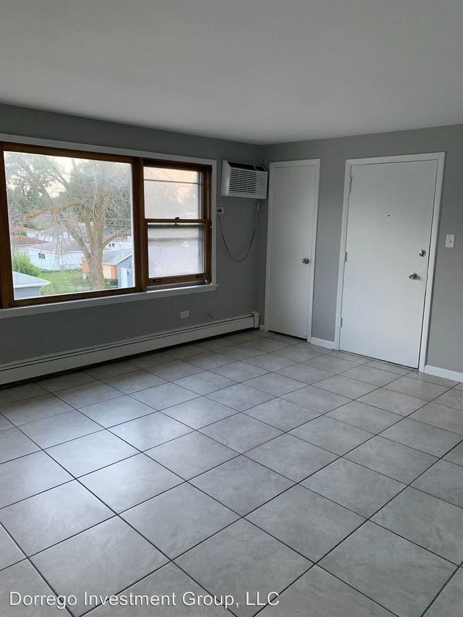 2 Bedrooms 1 Bathroom Apartment for rent at 620-628 Sibley Blvd. in Calumet City, IL