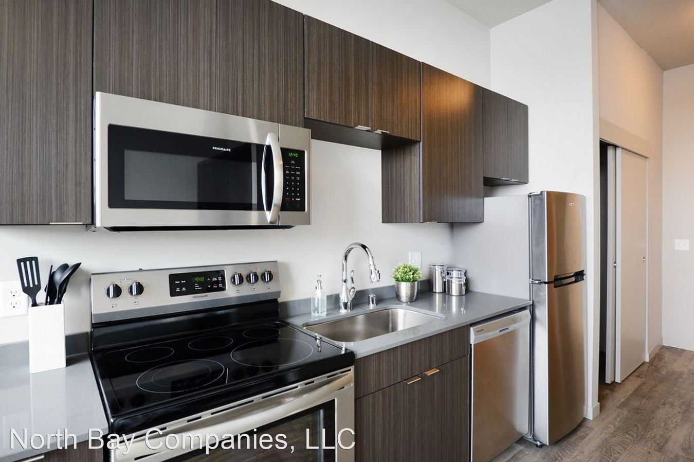 Studio 1 Bathroom Apartment for rent at 408 4Th St in Minneapolis, MN
