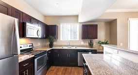 Stonegate At Towngate Apartment Homes