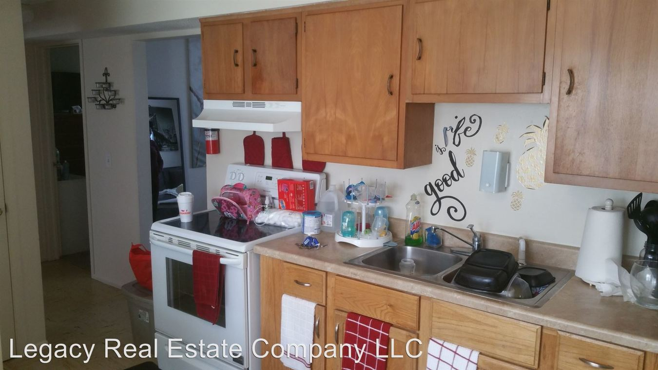 2 Bedrooms 1 Bathroom Apartment for rent at 421-427 Prospect Street in Pawtucket, RI
