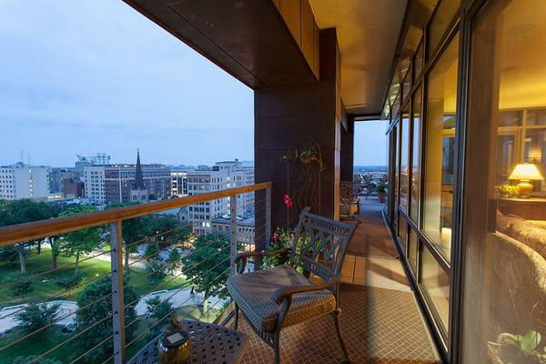 Condos After Dark 100 Wisconsin Avenue >> Madison Capitol Penthouse Apartments Madison Wi