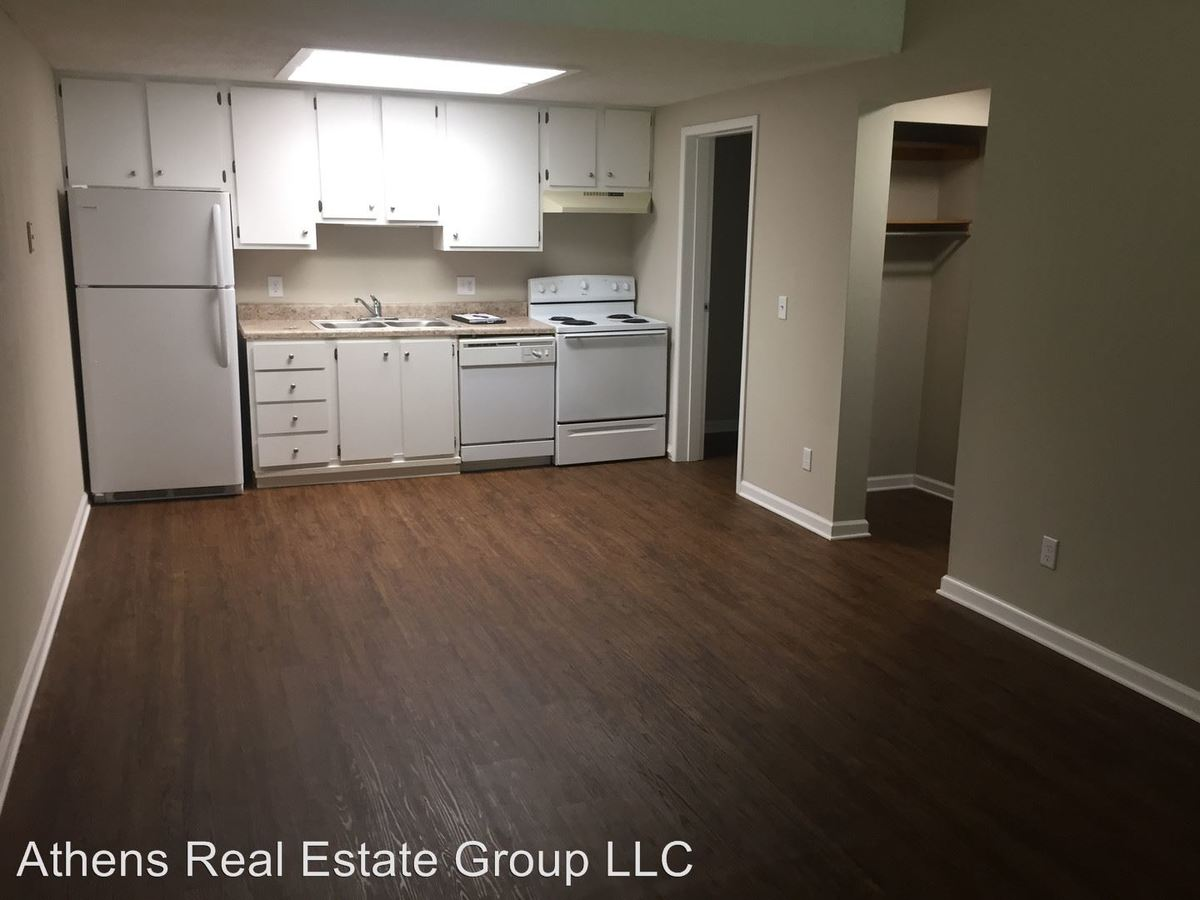 1 Bedroom 1 Bathroom Apartment for rent at 1375 College Station Road in Athens, GA