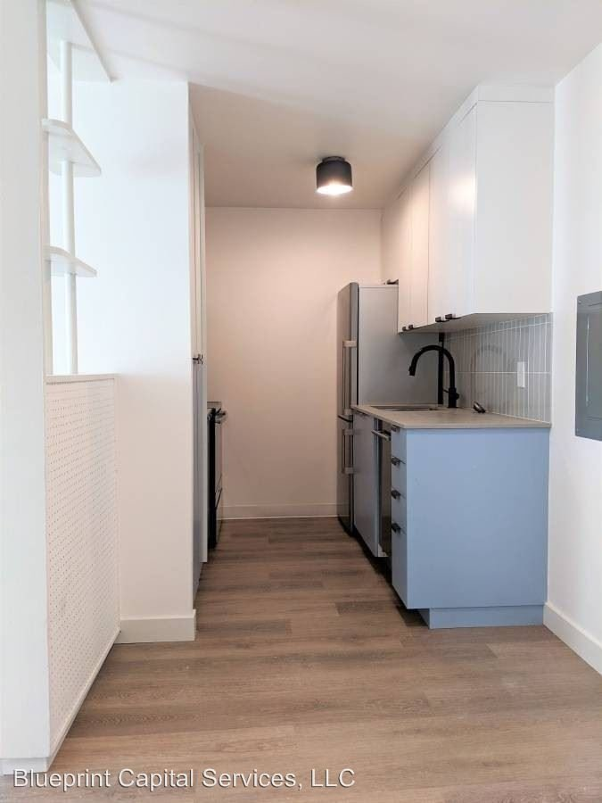 1 Bedroom 1 Bathroom Apartment for rent at 800 Queen Anne Ave N in Seattle, WA