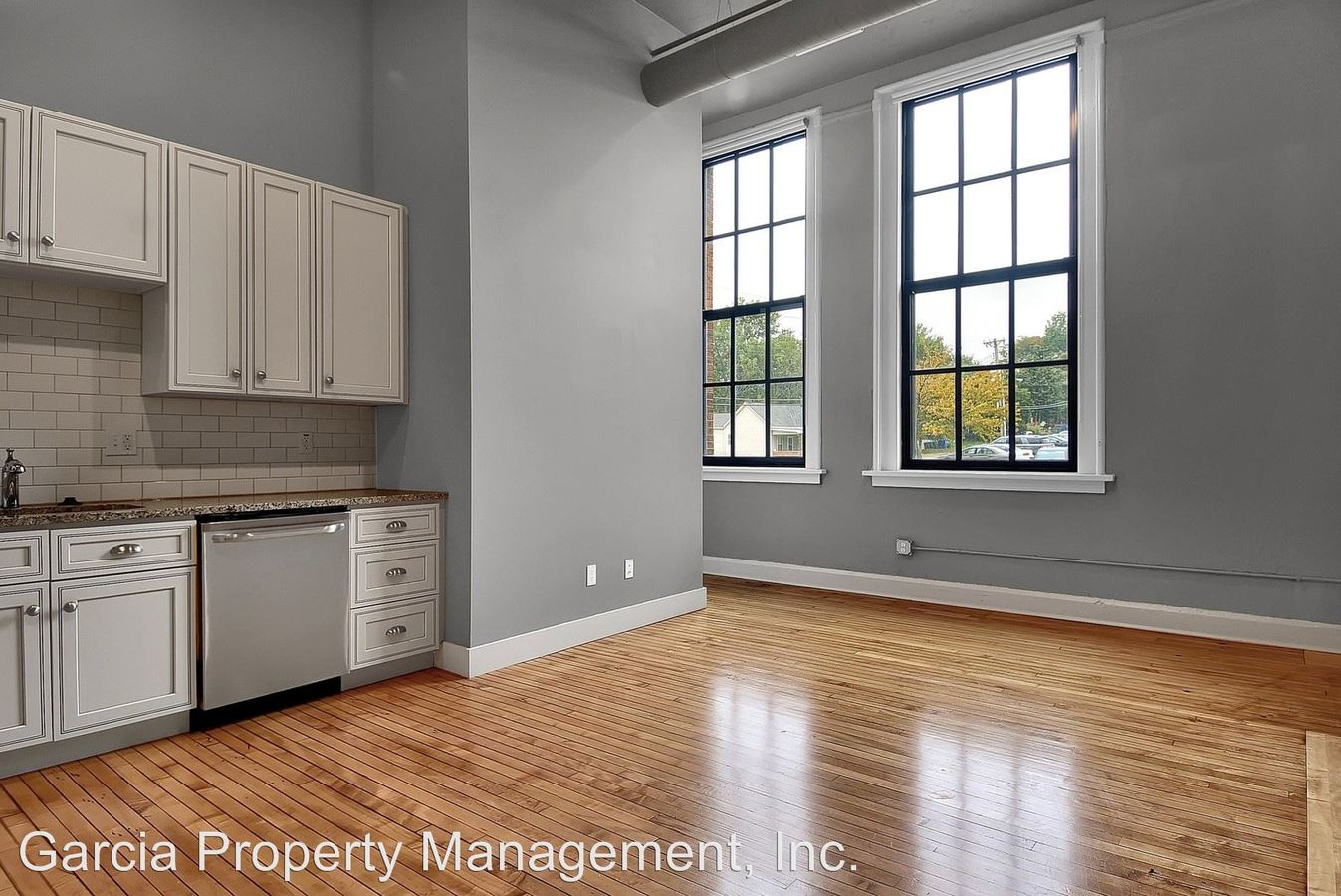 2 Bedrooms 1 Bathroom Apartment for rent at 1615 Hampton Avenue in St Louis, MO