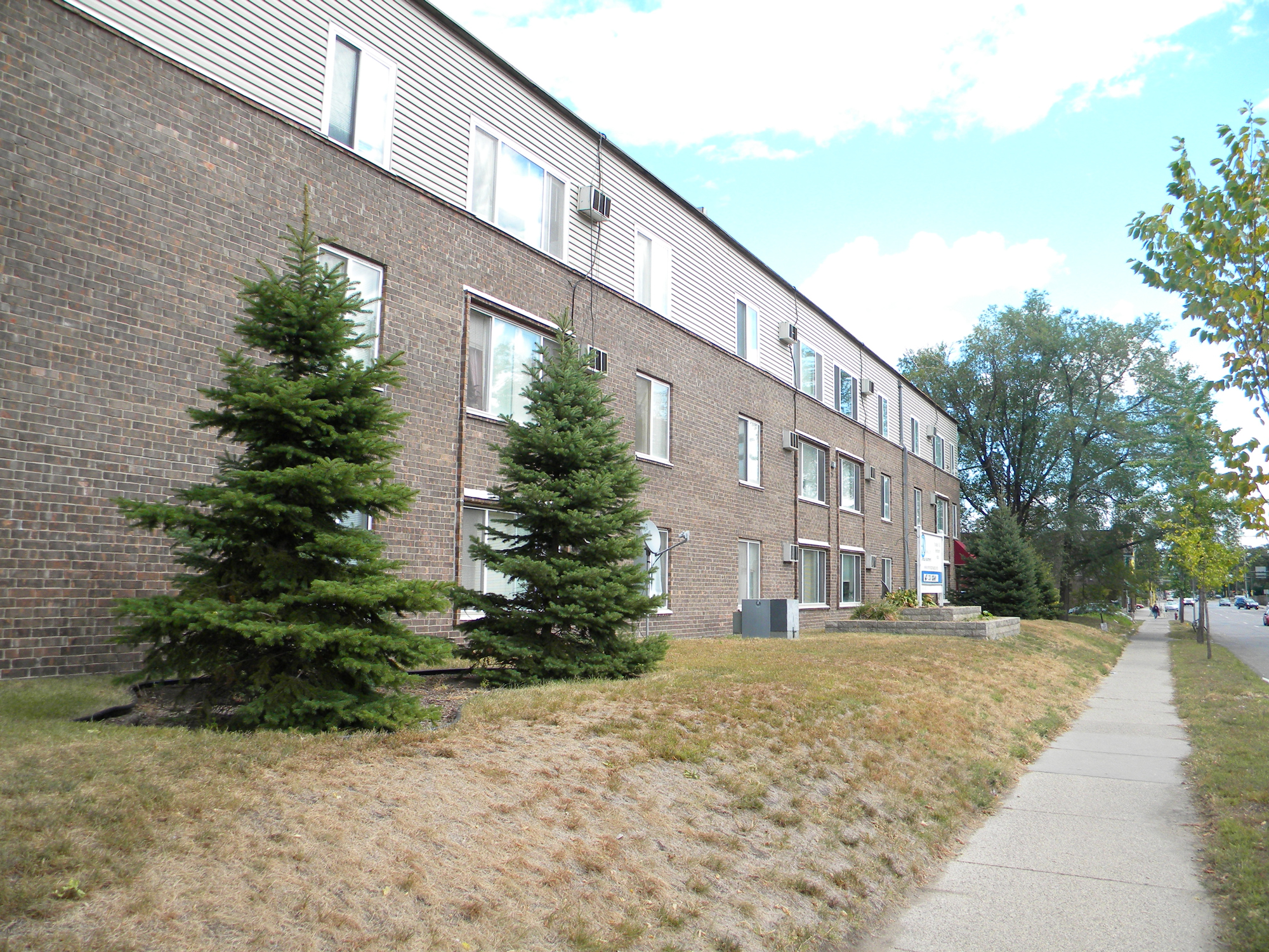 Apartments Near Minnesota 414 7th Ave Se for Minnesota Students in , MN